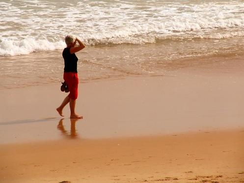 Walk OnThe Beach © Tertux