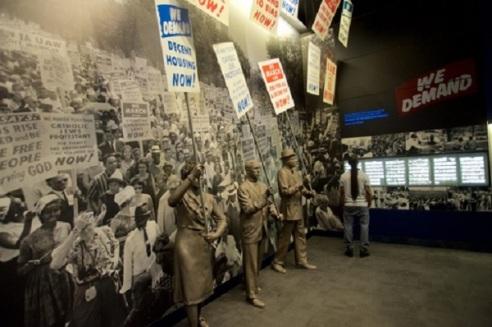 MLK Day Statues - © Clewisleake