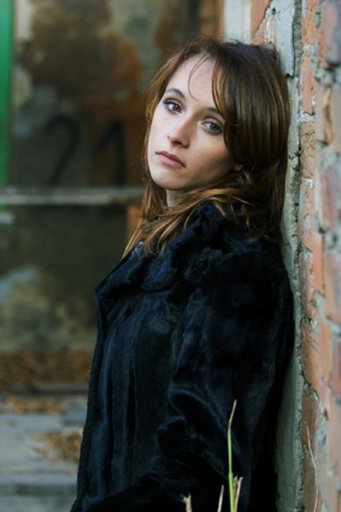 Sad Woman On The Wall © Wrangler