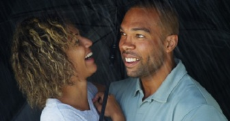 Couple In The Rain © Rocketclips, Inc.
