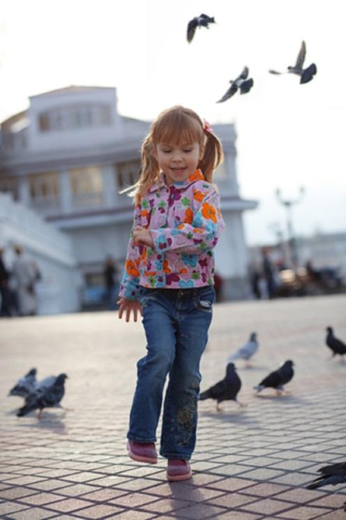 child-and-dove-alena-ozerova